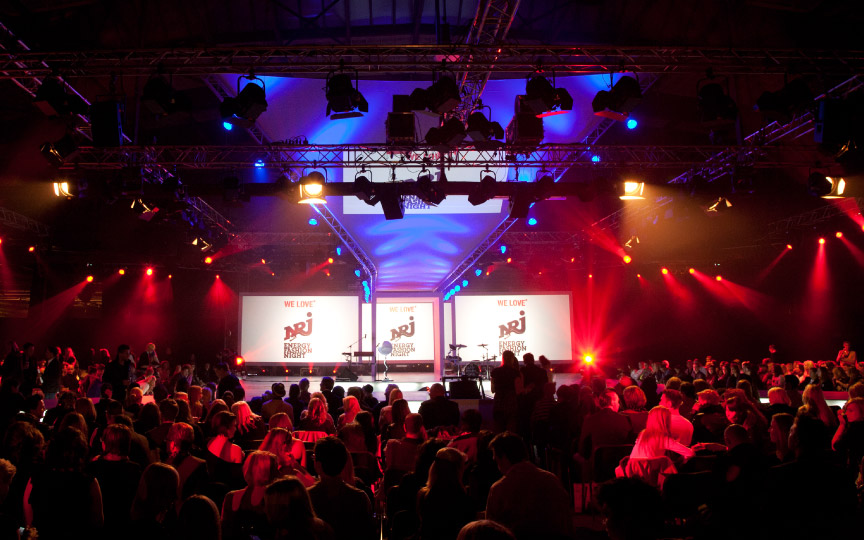 "Blick in der Saal der ""We Love Energy Fashion Night"" 2012"